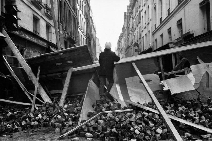 FRANCE. Paris. 6th arrondissement. Rue Monsieur-le-Prince. May 68.