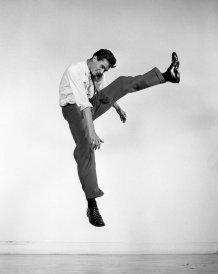 02-philippe-halsman-jump-book